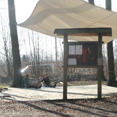 Platz für die Sicherheitseinweisung - Hochseilgarten-Hasloh